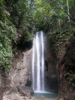 Binalayan Hidden Waterfalls
