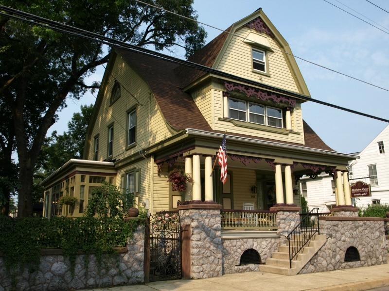 Manheim Manor Victorian Bed and Breakfast