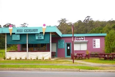 Mogo ice creamery and cafe