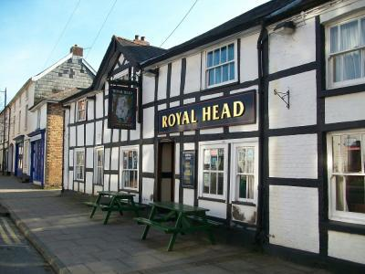 ‪The Royal Head‬