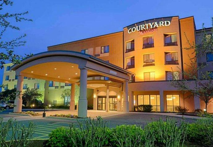 ‪Courtyard by Marriott Salisbury‬