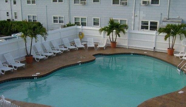 Parrot Lagoon Miami Beach