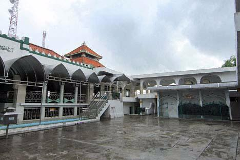 Sunan Giri Mosque and Tomb