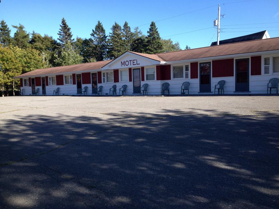 Clam Harbour Beach Motel
