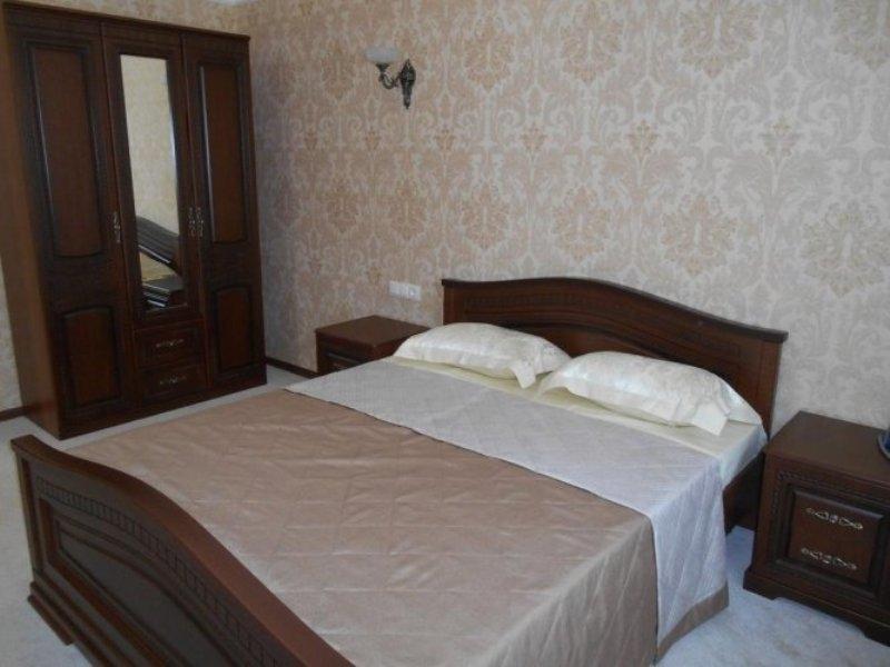 Yantar Hotel
