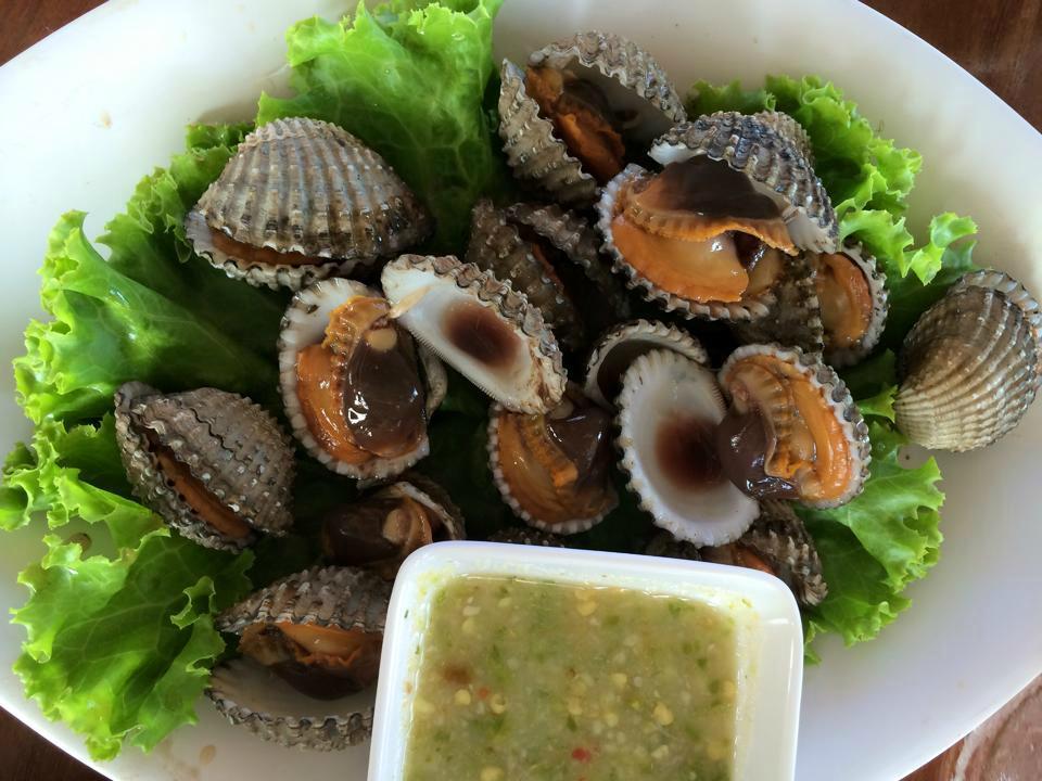 Anong restaurant choengmon choeng mon restaurant for Anong thai cuisine