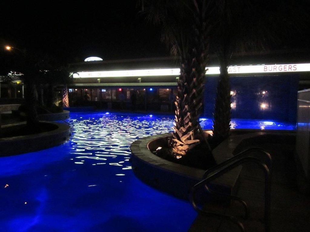 蓋多斯海濱旅館
