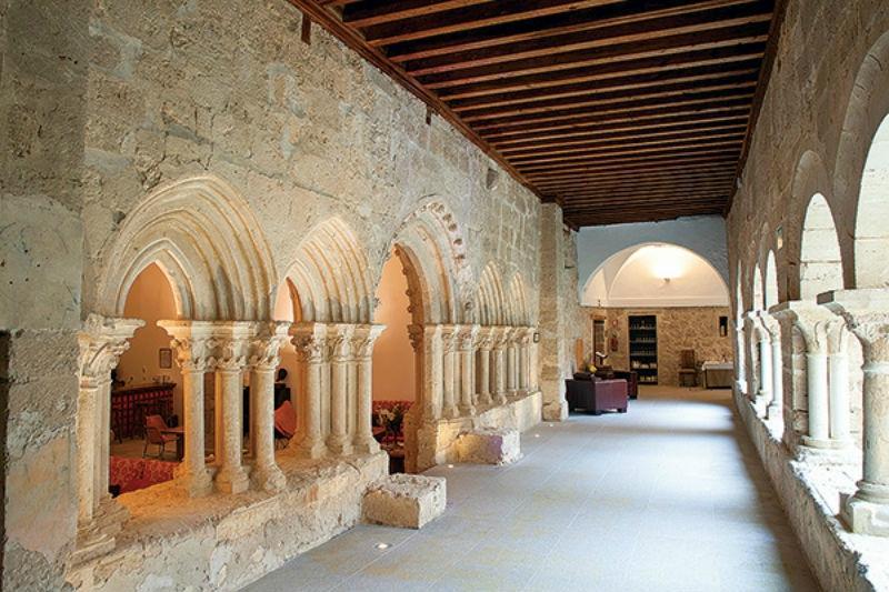 Posada Real Monasterio Tortoles de Esgueva
