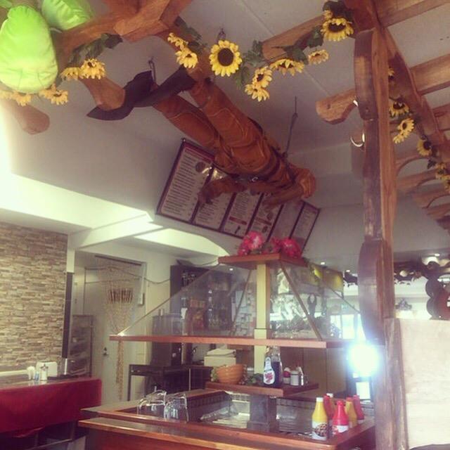 Arkadia Hotel & Cafe