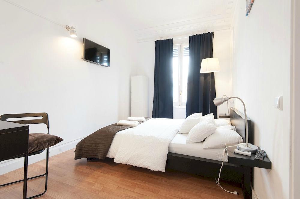 WOW! Hostel