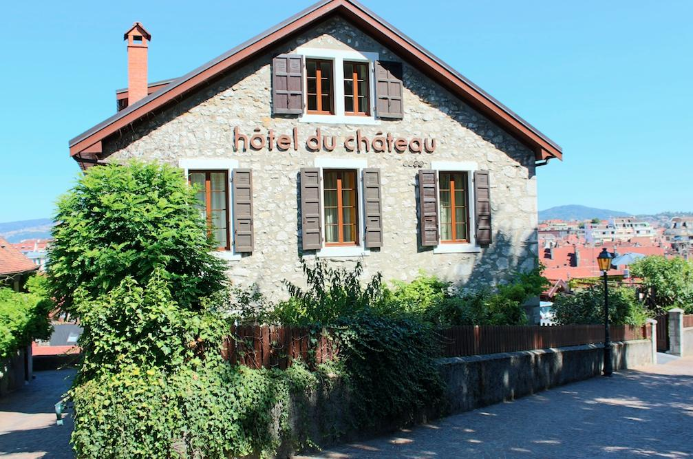 H tel du ch teau annecy voir les tarifs 88 avis et 99 for Jardin du chateau annecy