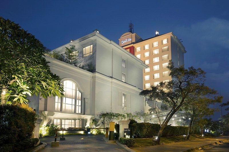 賽蓬市格蘭素利飯店