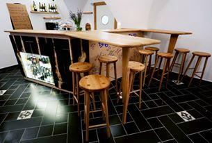 Thir - vinny bar, bistro a penzion