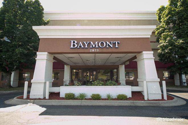 Baymont Inn & Suites Grand Rapids Airport