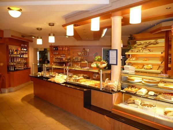 Cafe Escher