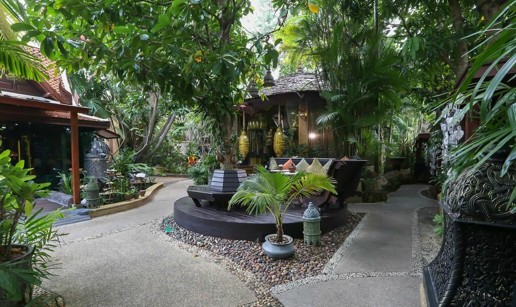 薩瓦帝村酒店