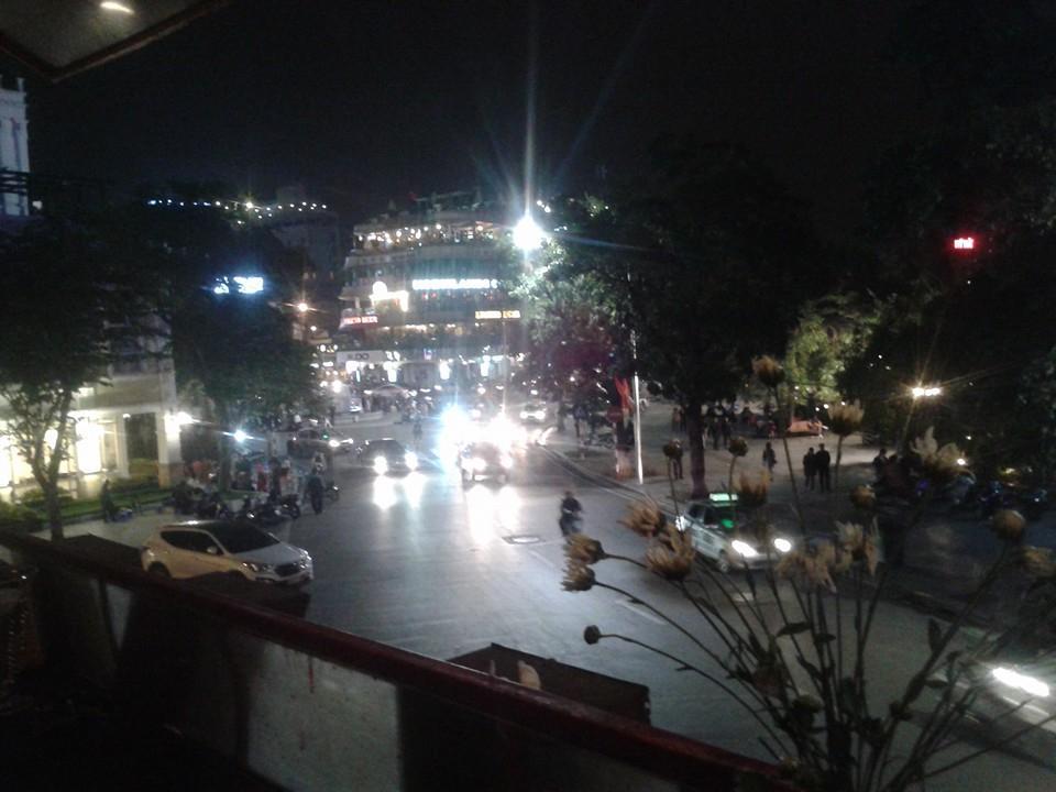 The balcony bar cafe hanoi restaurant reviews phone for The balcony restaurant