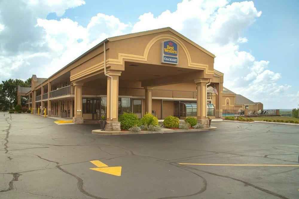 ‪BEST WESTERN Coachlight‬