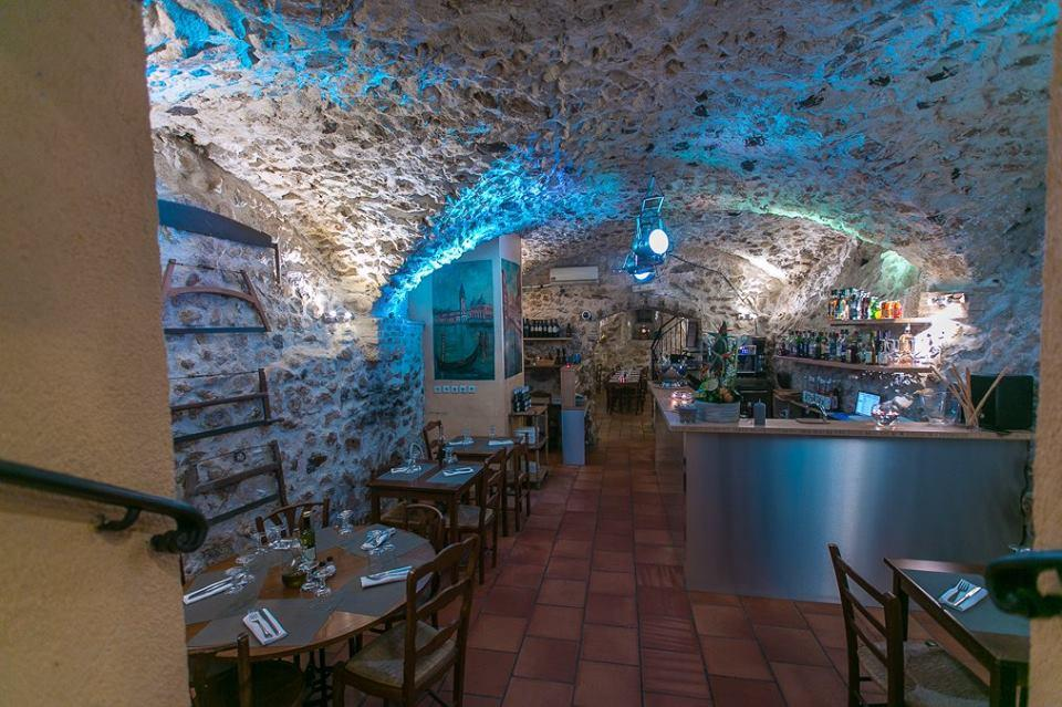 Le brulot pasta vino antibes restaurant reviews for Antibes restaurant le jardin
