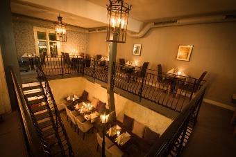 Lady OG Landstryker`N Restauranthus
