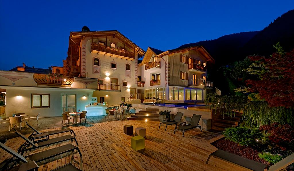 ホテル パレス ラヴェーリ