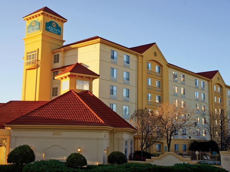 La Quinta Inn & Suites Atlanta Ballpark at Cobb Galleria