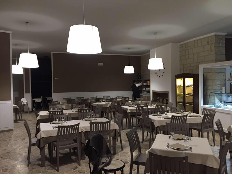 Ristorante Pizzeria la Terrazza sul Mare, Trani - Restaurant ...