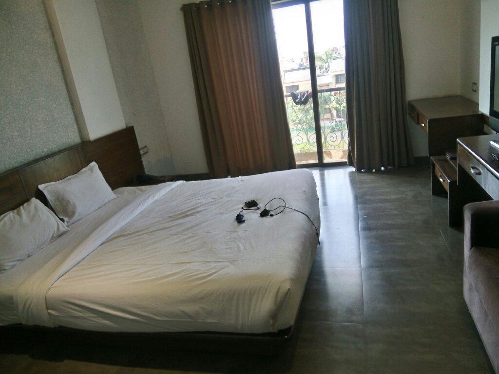 Hotel Revenir