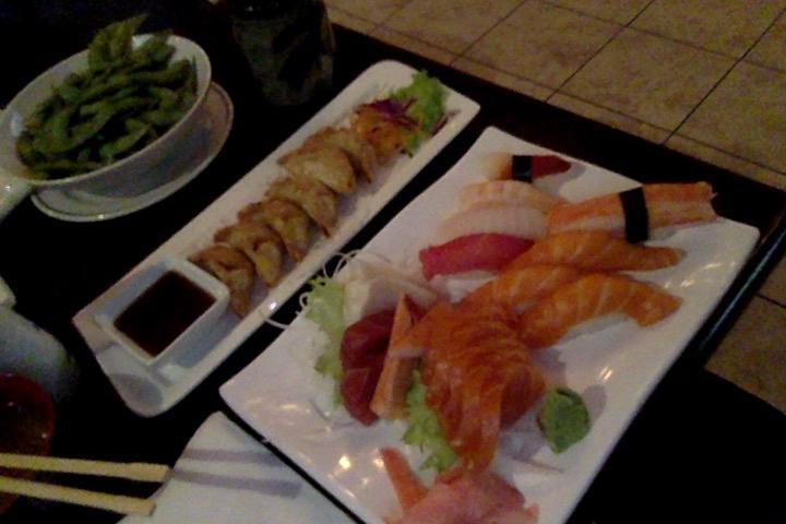 Asaka sushi mississauga 380 lakeshore rd e restaurant for Asaka japanese cuisine