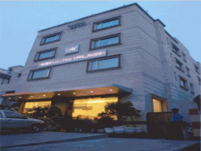 โรงแรมเมริเดียนพลาซา