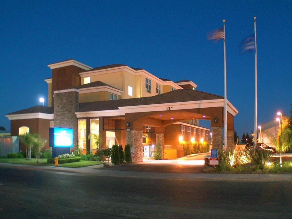 Holiday Inn Express - West Sacramento