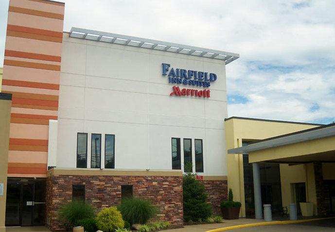 ‪Fairfield Inn & Suites by Marriott Cincinnati North / Sharonville‬