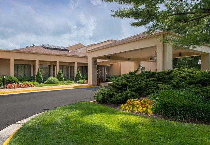Courtyard by Marriott Herndon Reston