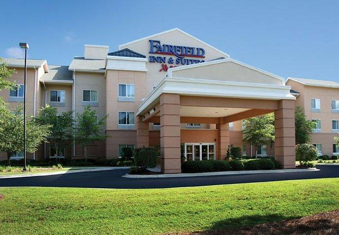 Fairfield Inn & Suites Charleston North / University Area