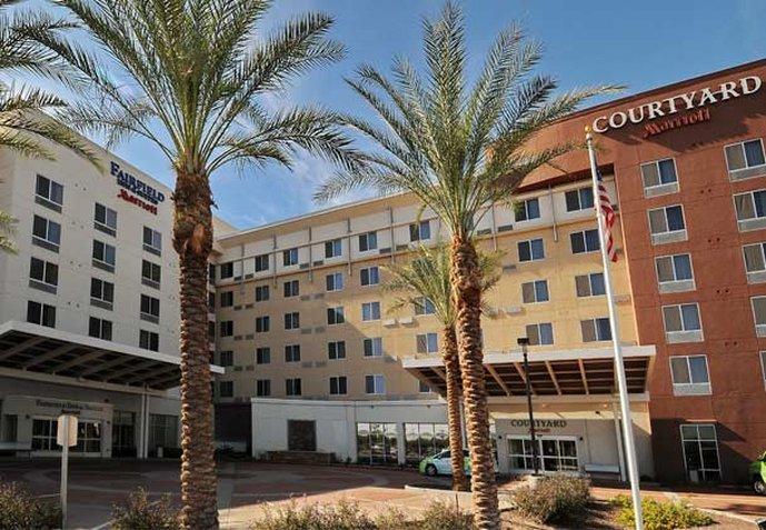 Courtyard Phoenix Chandler / Fashion Center