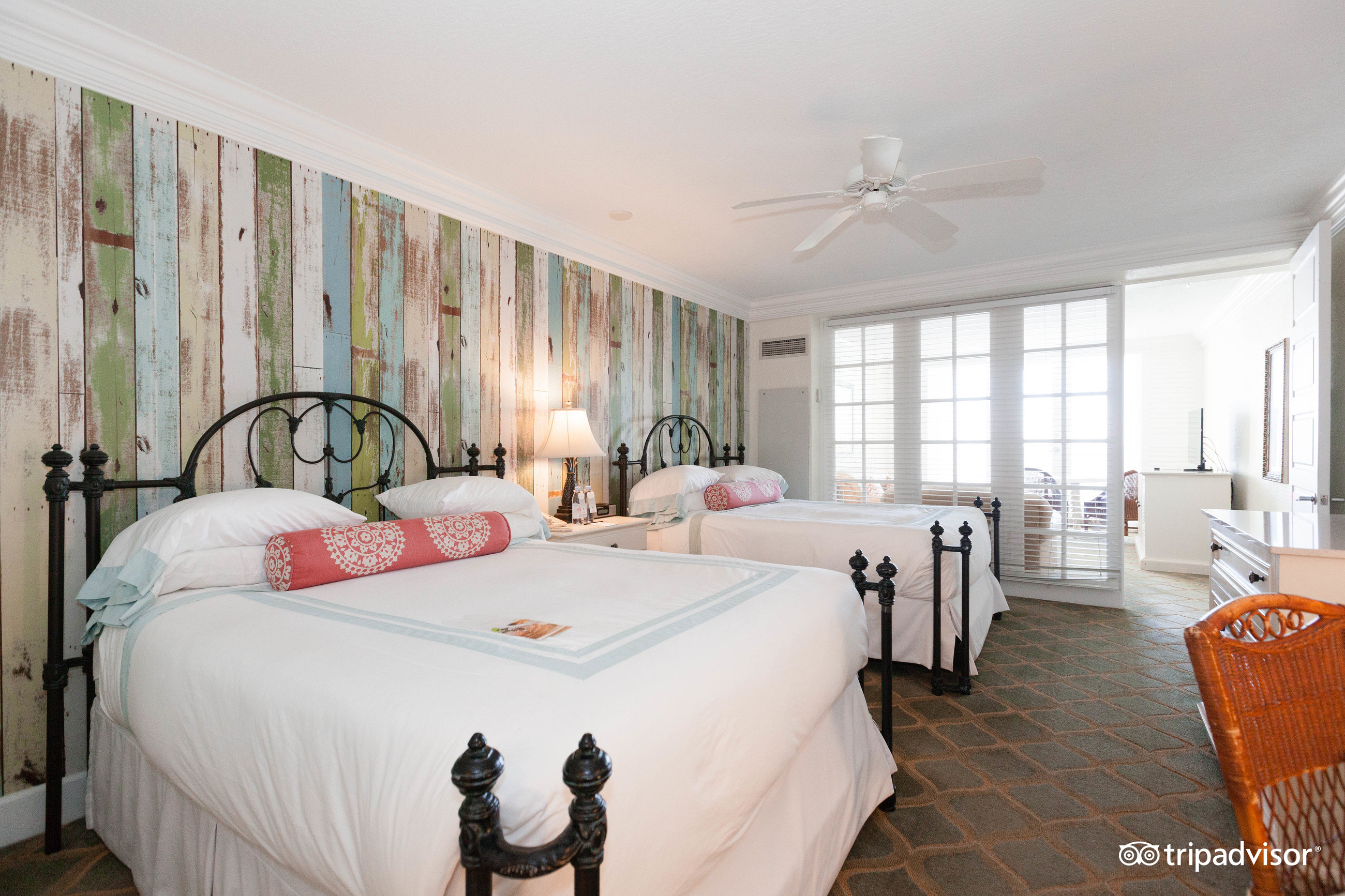 2 bedroom suites in florida%0A Pelican Grand Beach Resort  Fort Lauderdale  FL       Review  Family  Vacation Critic