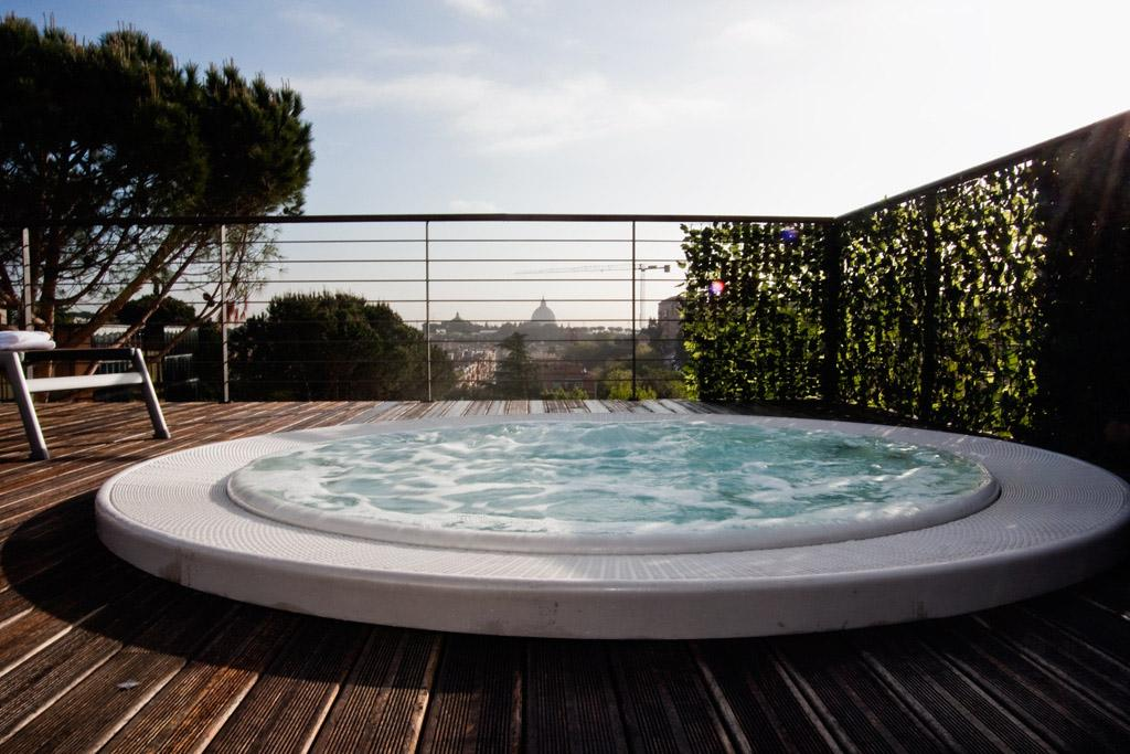 Cardinal hotel st peter updated 2017 reviews price for Terrace jacuzzi