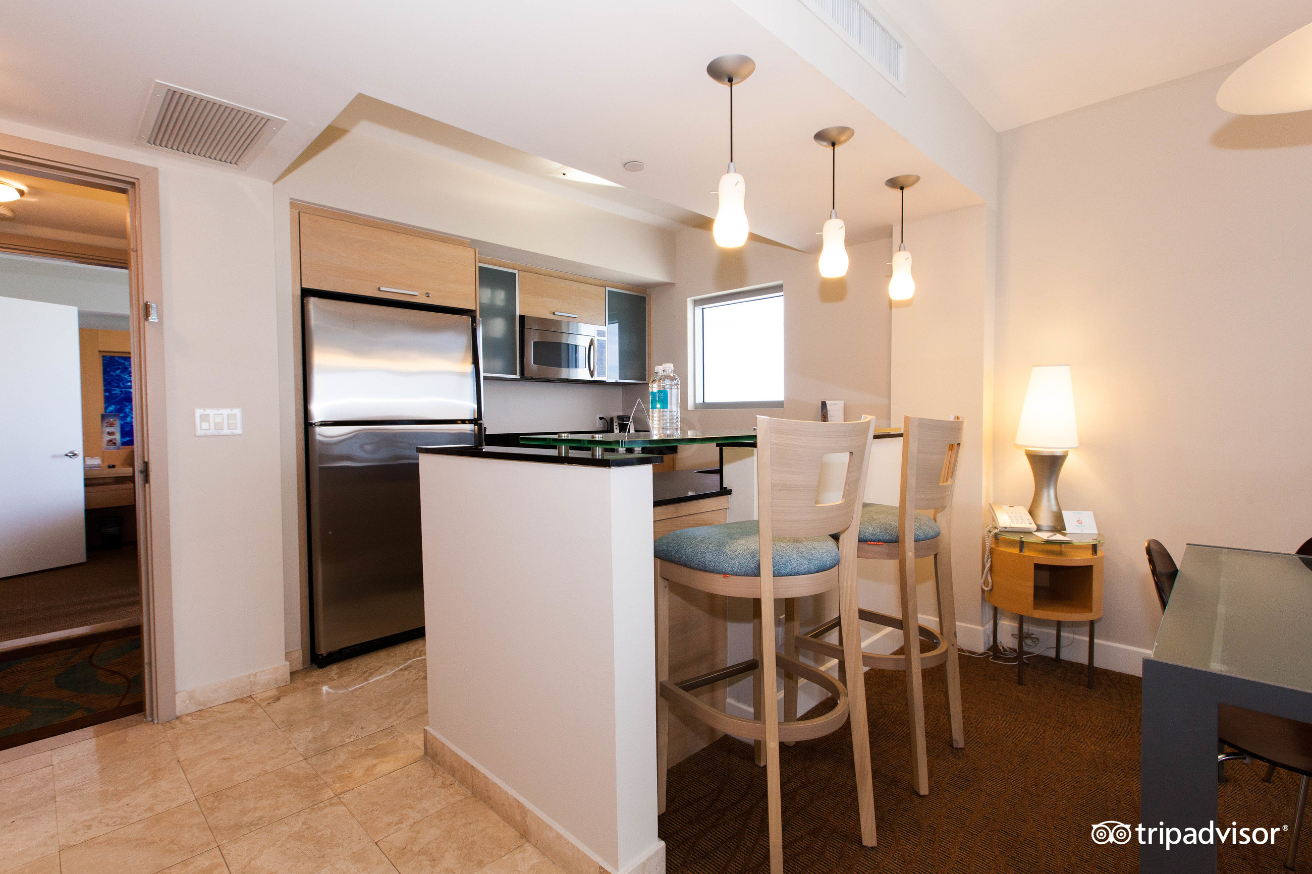 2 bedroom suites in florida%0A We search      sites to find the best hotel prices