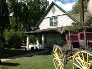 Largilliere Carriage House B&B