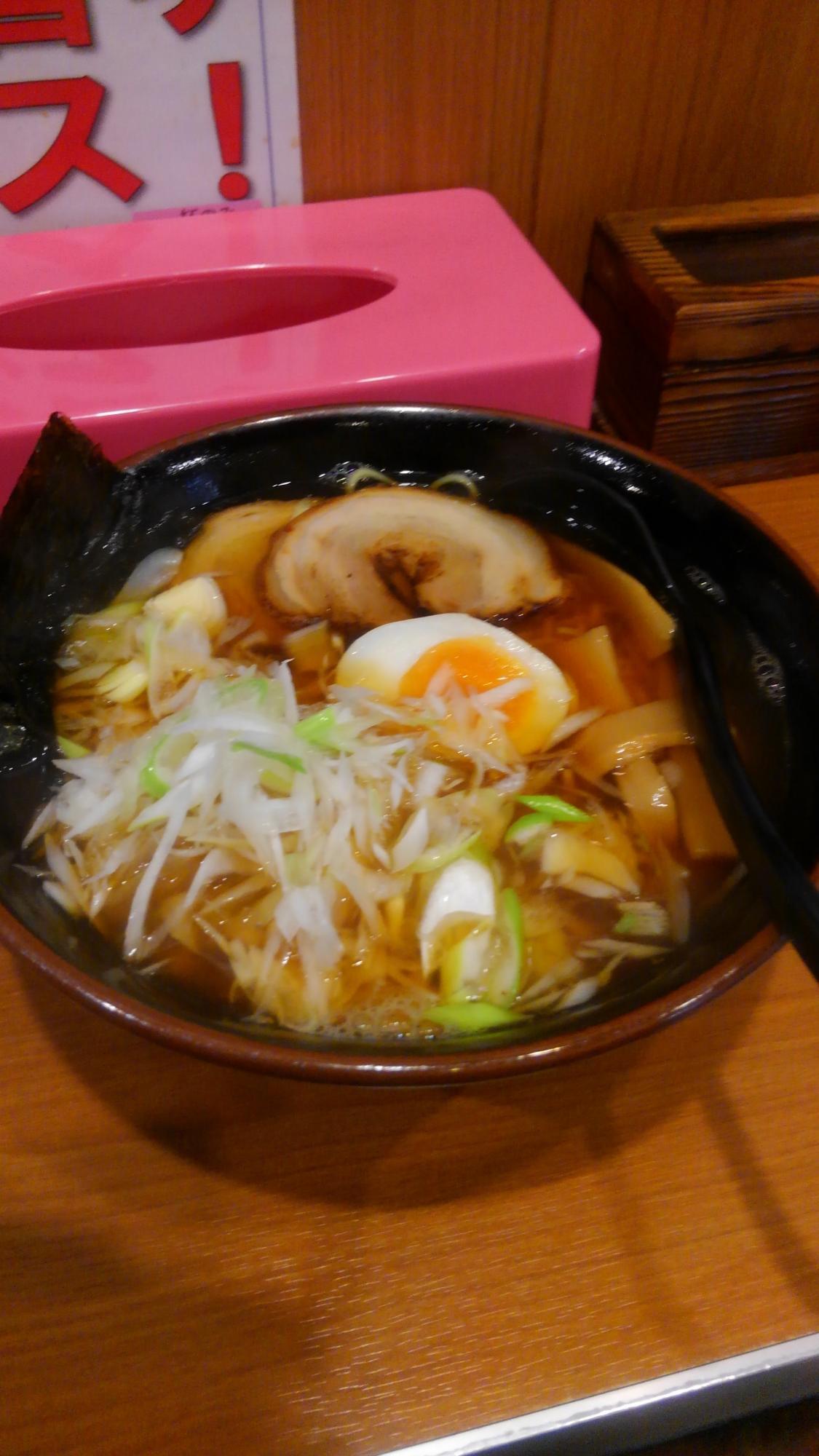 ラーメンうらやす「魚介ネギラーメン」(800円)
