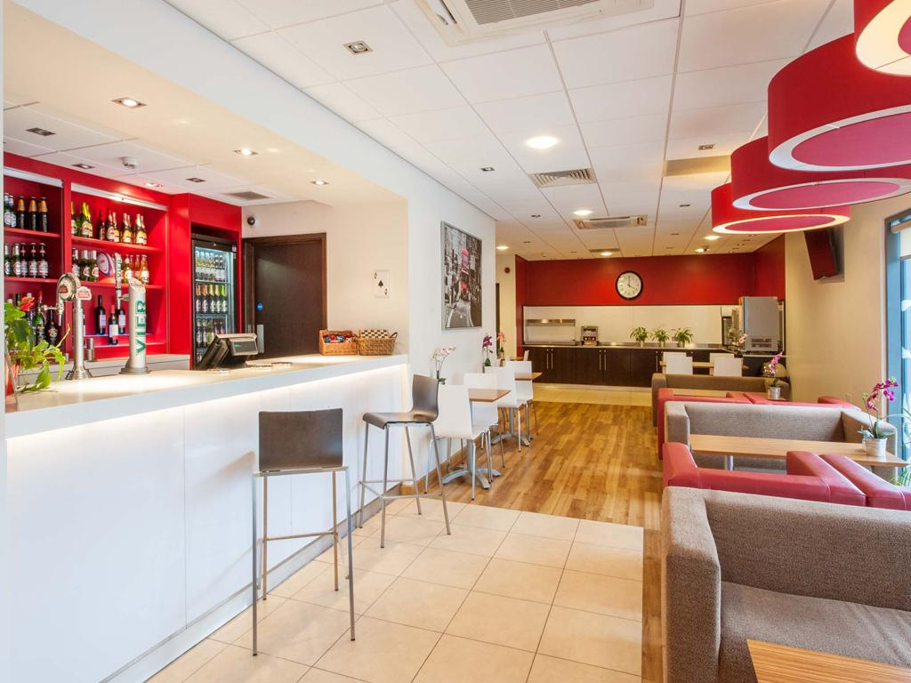 Travelodge twickenham england hotel anmeldelser for Atithi indian cuisine twickenham