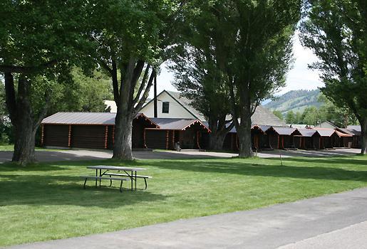 Kudar Motel & Cabins