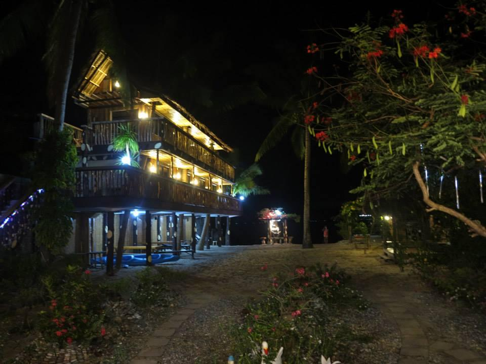 Bamboo House Beach Lodge & Restaurant