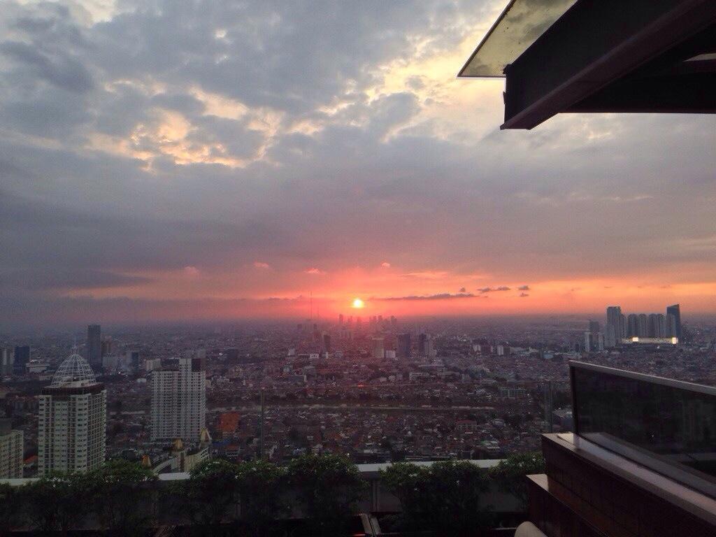 Cloud Lounge Dining Jakarta