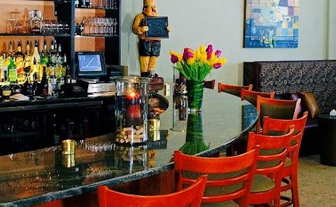 Nouveau Bistro & Lounge