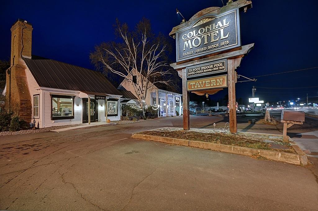 Colonial Motel & Spa