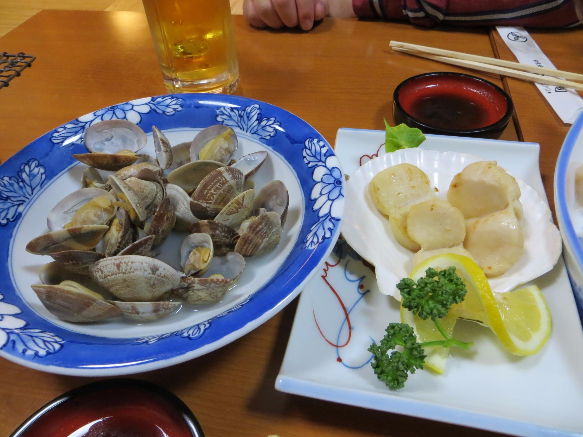 Hokkaido, Japan Food Guide: 5 Sushi food Must-Eat Restaurants & Street Food Stalls in Monbetsu