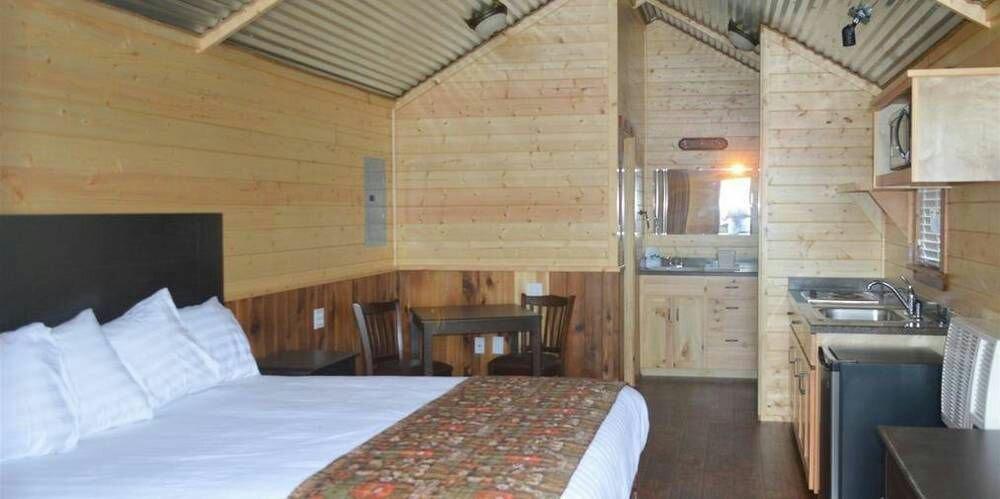 Lone Star Lodge Cabins