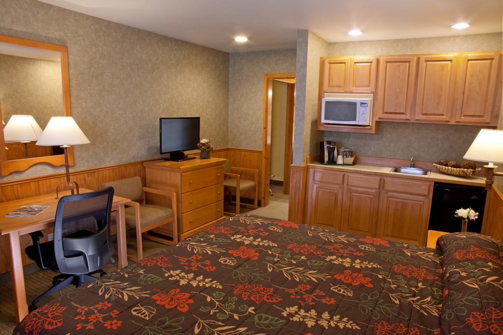 波爾斯波旅館及套房飯店