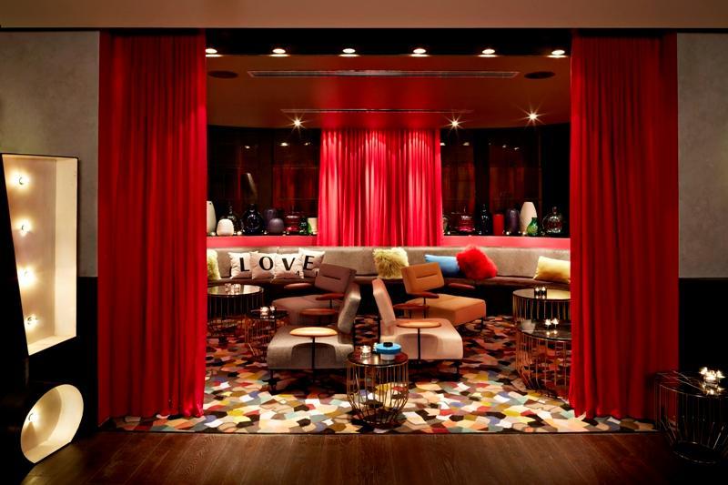 Gilt Lounge